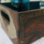 Mroczne pudełko z efektem rdzy