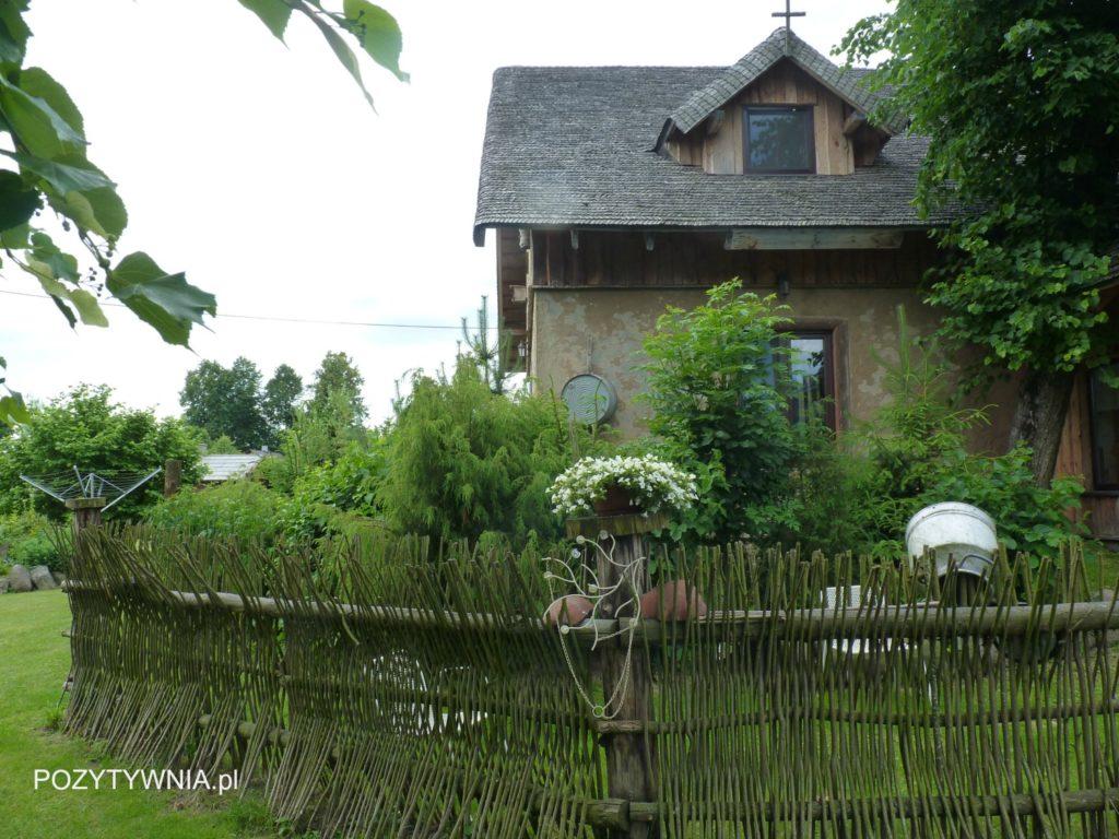 Ciepły bezpieczny dom, gdzies na wschodzie Polski
